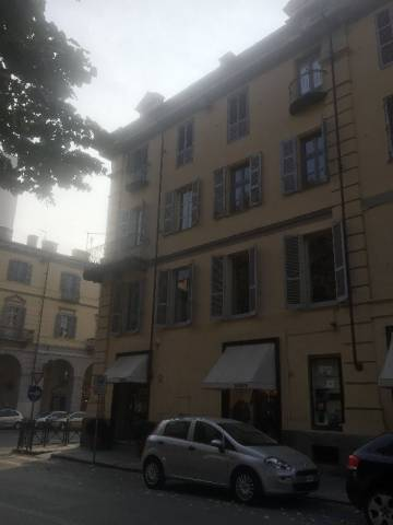 Appartamento in vendita a Pinerolo, 4 locali, prezzo € 130.000 | CambioCasa.it