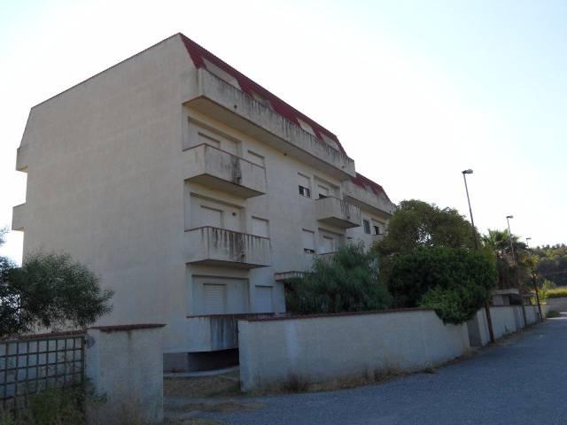 Appartamento in vendita a Stignano, 4 locali, prezzo € 43.000   CambioCasa.it
