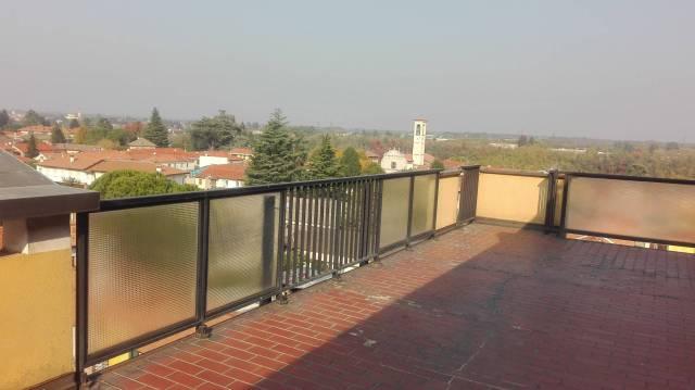 Appartamento in affitto a Solbiate Olona, 2 locali, prezzo € 600 | CambioCasa.it