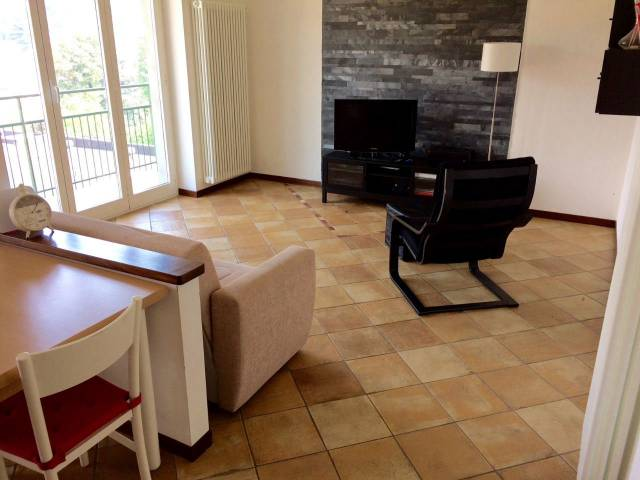Appartamento in affitto a Lipomo, 2 locali, Trattative riservate | CambioCasa.it