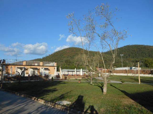 Negozio / Locale in vendita a Roccaromana, 2 locali, prezzo € 195.000 | CambioCasa.it