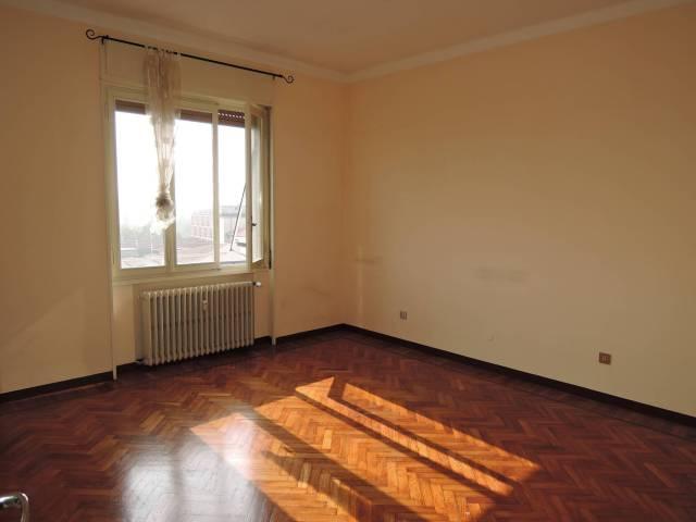 Attico / Mansarda in affitto a Brescia, 3 locali, prezzo € 450 | CambioCasa.it