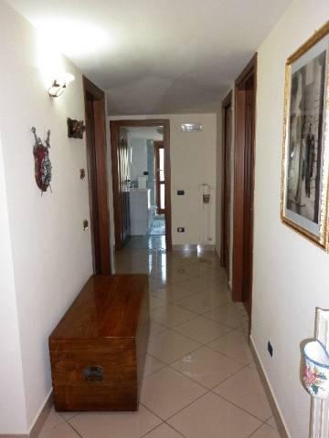 Appartamento in vendita a Mercato San Severino, 4 locali, prezzo € 145.000 | CambioCasa.it