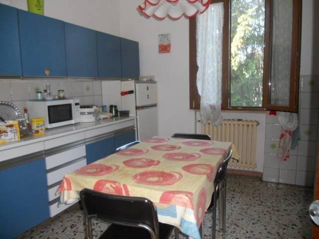 Appartamento in vendita a Luzzara, 3 locali, prezzo € 85.000 | CambioCasa.it