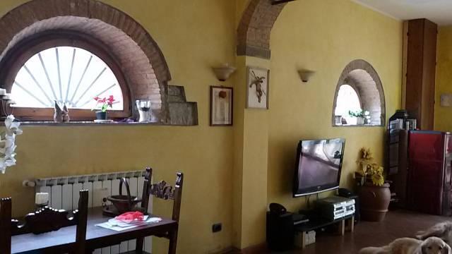 Rustico / Casale in vendita a Scandicci, 5 locali, prezzo € 535.000 | CambioCasa.it