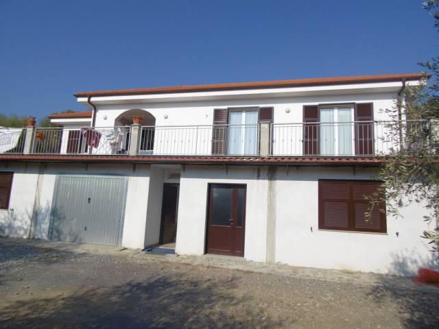 Villa in vendita a Andora, 4 locali, prezzo € 359.000 | CambioCasa.it