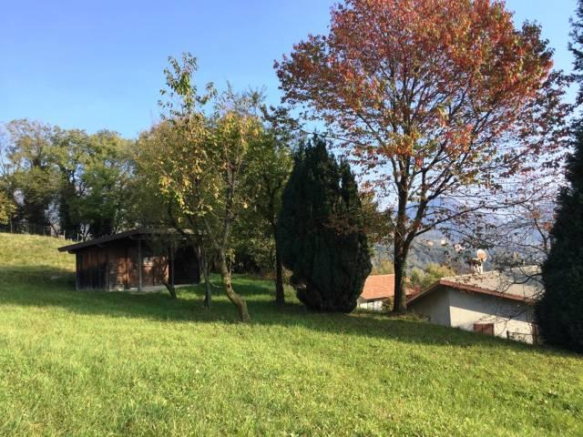 Villa in vendita a Caglio, 6 locali, prezzo € 260.000   CambioCasa.it