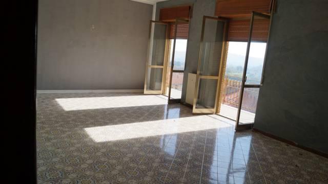 Appartamento in vendita a Alvignano, 5 locali, prezzo € 105.000 | CambioCasa.it