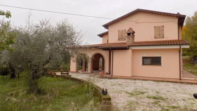 Villa in vendita a Offida, 6 locali, prezzo € 480.000 | CambioCasa.it