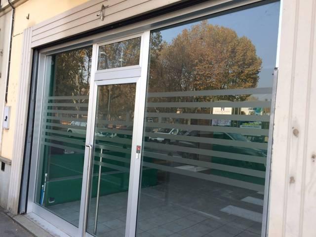 Negozio / Locale in affitto a Chieri, 1 locali, prezzo € 550 | CambioCasa.it