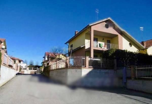 Villa in Vendita a Carrù