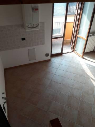 Appartamento in affitto a Goito, 4 locali, prezzo € 400 | CambioCasa.it