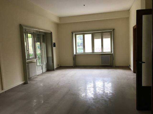 Appartamento in vendita a Avezzano, 6 locali, prezzo € 135.000 | CambioCasa.it