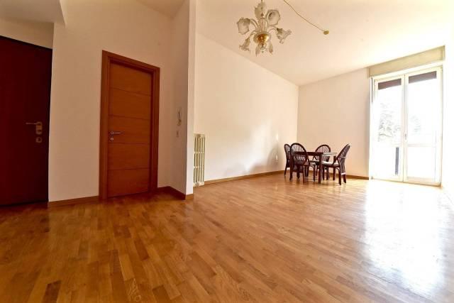 Appartamento in vendita a Monza, 3 locali, zona Zona: 1 . Centro Storico, San Gerardo, Via Lecco, prezzo € 210.000 | CambioCasa.it