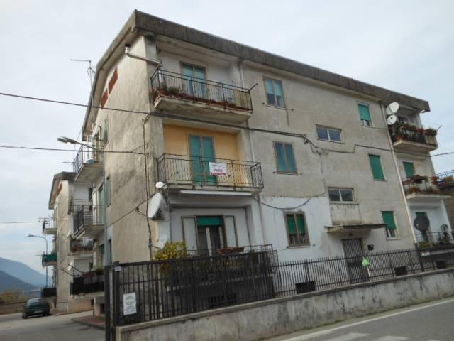 Appartamento in vendita a Mignano Monte Lungo, 5 locali, prezzo € 48.000 | CambioCasa.it