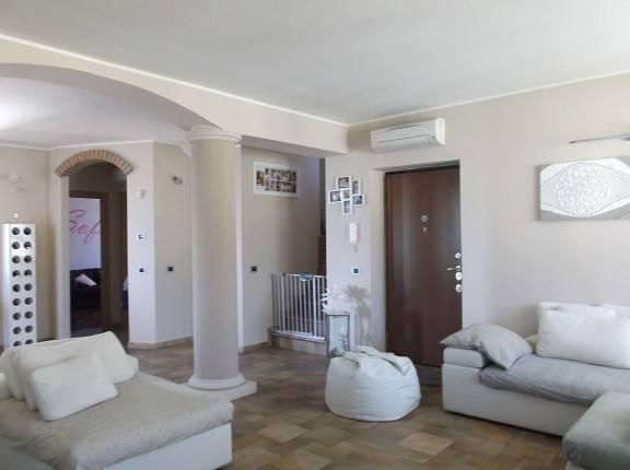Villa in vendita a San Colombano al Lambro, 3 locali, prezzo € 335.000 | CambioCasa.it
