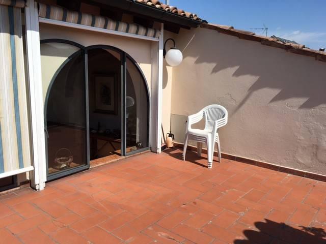 Soluzione Indipendente in vendita a Parma, 6 locali, Trattative riservate | CambioCasa.it