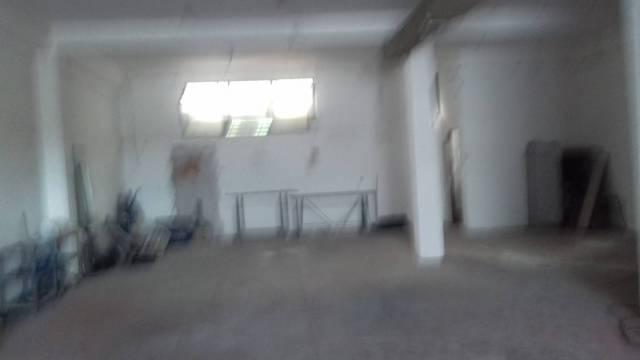 Capannone in affitto a Roma, 6 locali, zona Zona: 36 . Finocchio, Torre Gaia, Tor Vergata, Borghesiana, prezzo € 1.300   CambioCasa.it