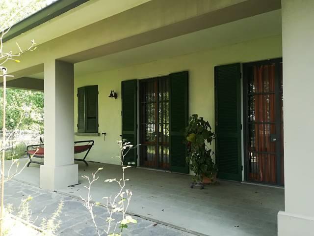 Villa in vendita a Roccabianca, 6 locali, prezzo € 320.000 | CambioCasa.it