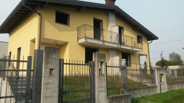 Villa in Vendita a Marnate