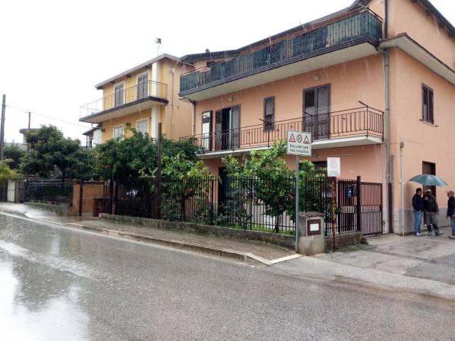 Negozio / Locale in affitto a Montoro, 1 locali, prezzo € 350 | CambioCasa.it