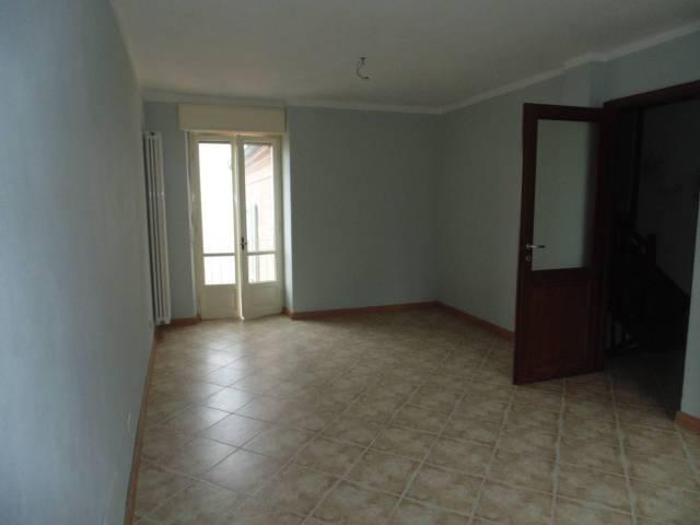Soluzione Indipendente in affitto a Castagnole delle Lanze, 3 locali, prezzo € 350 | CambioCasa.it