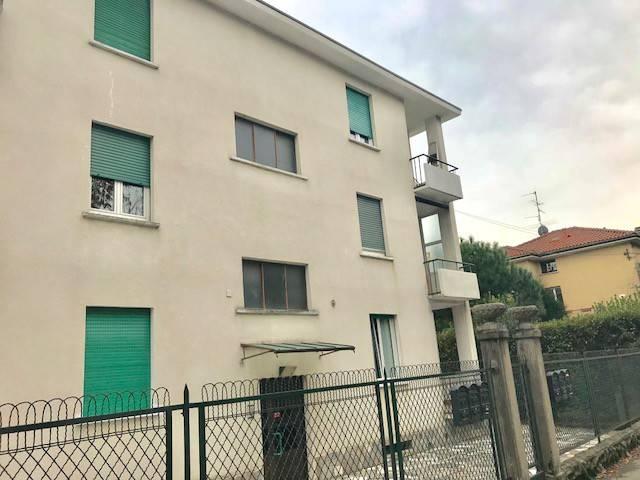 Appartamento in vendita a Oltrona di San Mamette, 2 locali, prezzo € 75.000   CambioCasa.it