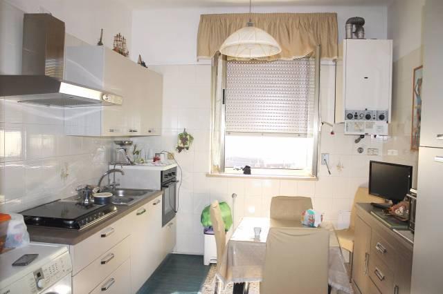 Appartamento in affitto a Valenzano, 3 locali, prezzo € 500 | CambioCasa.it