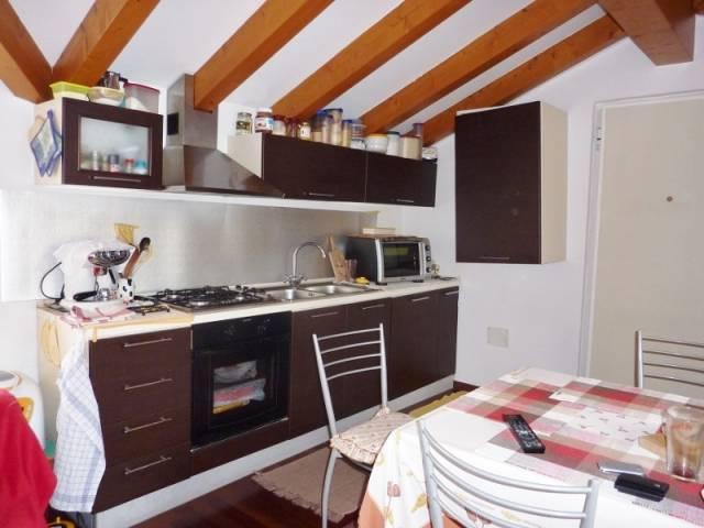 Attico / Mansarda in affitto a Levico Terme, 2 locali, prezzo € 450 | CambioCasa.it