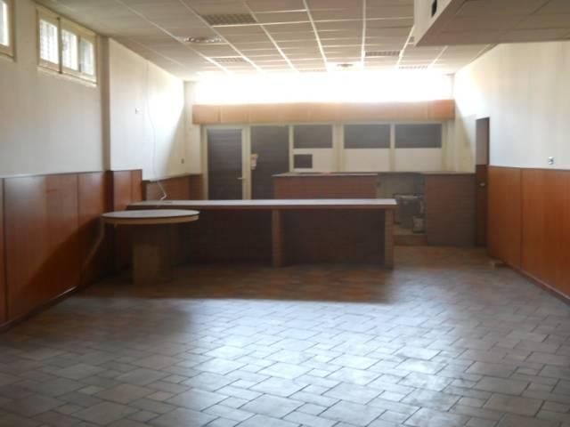 Negozio / Locale in vendita a Seveso, 2 locali, prezzo € 150.000 | CambioCasa.it