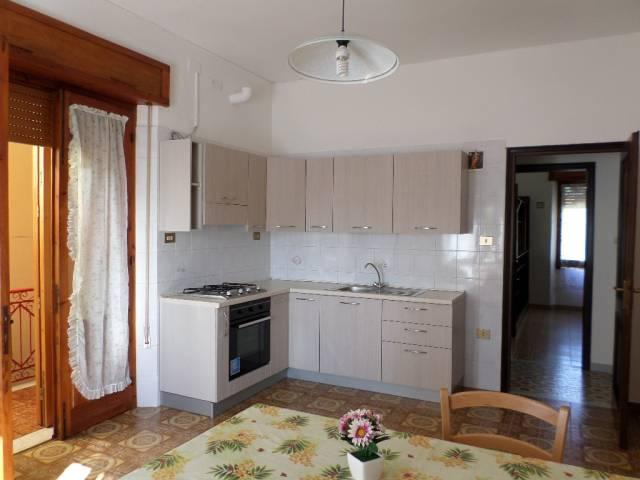Appartamento in affitto a Assemini, 3 locali, prezzo € 400 | CambioCasa.it