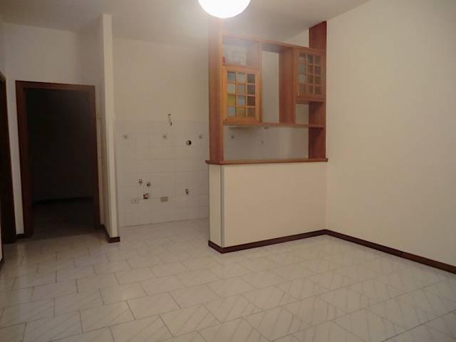 Appartamento in affitto a Rosignano Marittimo, 2 locali, prezzo € 400 | CambioCasa.it