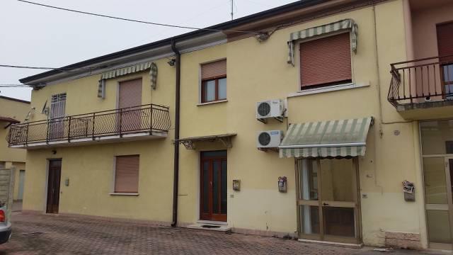 Appartamento in affitto a Bovolone, 5 locali, prezzo € 480 | CambioCasa.it
