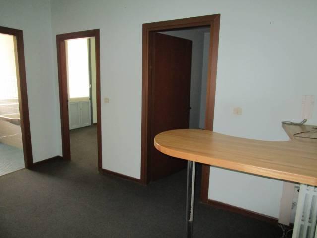 Ufficio / Studio in vendita a Borgomanero, 3 locali, prezzo € 50.000 | CambioCasa.it
