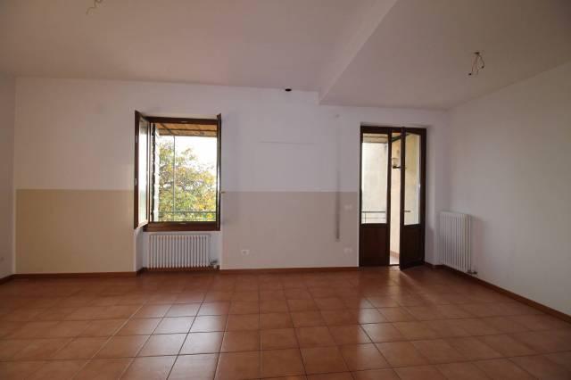 Appartamento in affitto a San Pietro in Cariano, 4 locali, prezzo € 650 | CambioCasa.it