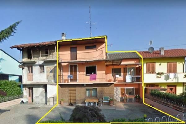 Villa in vendita a Suno, 5 locali, prezzo € 115.000 | CambioCasa.it