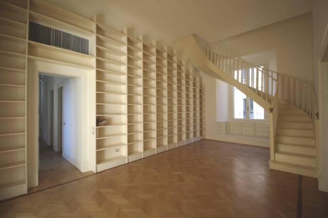 Appartamento in Affitto a Milano 01 Centro storico (Cerchia dei Navigli): 5 locali, 385 mq