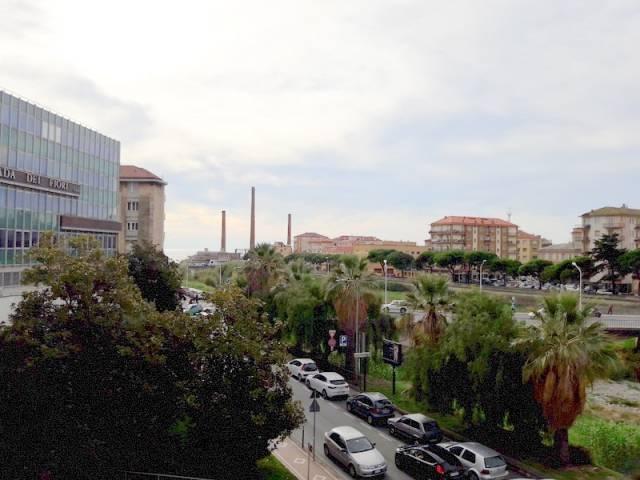 Appartamento in affitto a Imperia, 4 locali, prezzo € 700 | CambioCasa.it