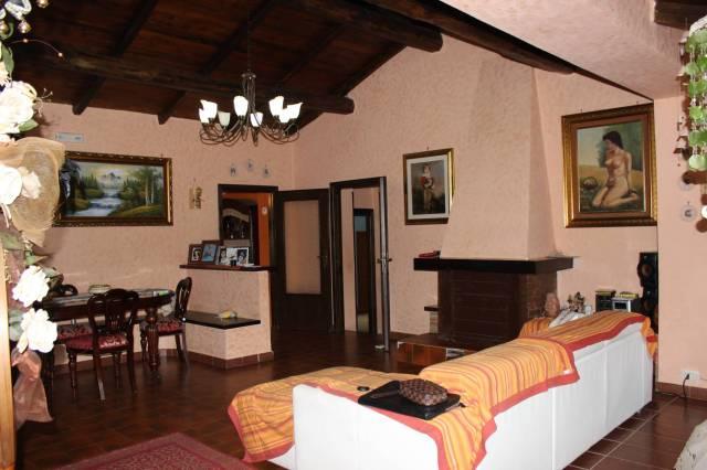 Villa in vendita a Valmontone, 4 locali, prezzo € 210.000 | CambioCasa.it