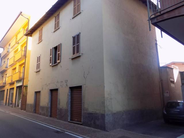 Appartamento in vendita a Olgiate Comasco, 6 locali, prezzo € 220.000 | CambioCasa.it