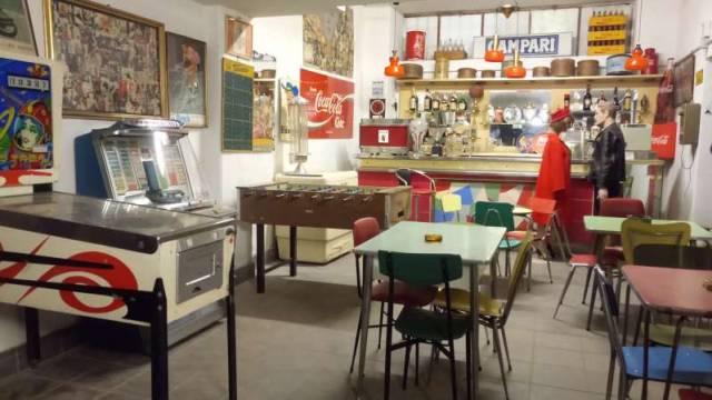 Bar in vendita a Cairate, 3 locali, prezzo € 90.000   CambioCasa.it
