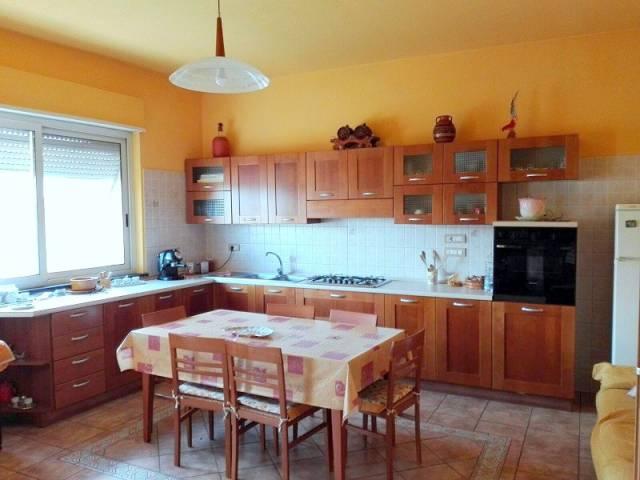 Appartamento in vendita a Nurachi, 6 locali, prezzo € 90.000 | CambioCasa.it