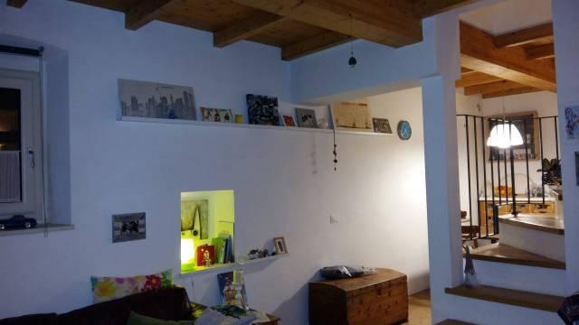 Soluzione Indipendente in vendita a Prato, 4 locali, prezzo € 230.000 | CambioCasa.it
