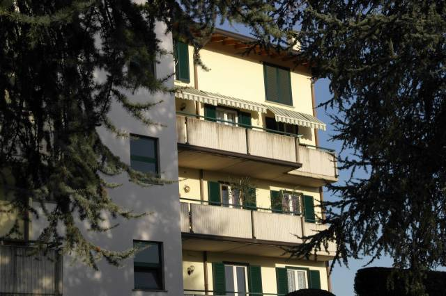Appartamento in vendita a Besozzo, 3 locali, prezzo € 175.000 | CambioCasa.it