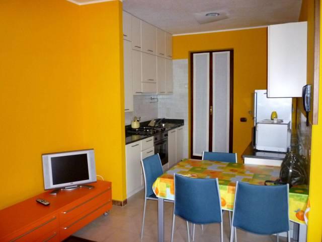 Appartamento in vendita a Sirmione, 4 locali, prezzo € 188.000 | CambioCasa.it