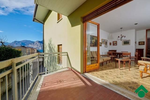 Appartamento in vendita a Malcesine, 3 locali, prezzo € 265.000 | CambioCasa.it