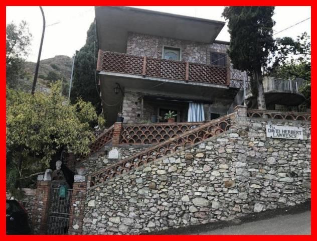 Villa in vendita a Taormina, 3 locali, prezzo € 450.000 | CambioCasa.it