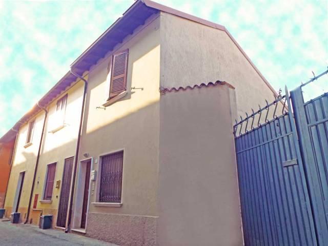 Appartamento in vendita a Ghedi, 3 locali, prezzo € 53.000 | CambioCasa.it