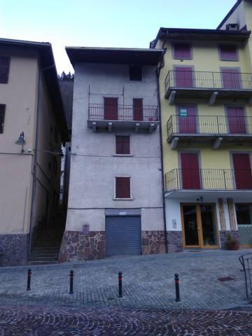 Soluzione Indipendente in vendita a Roncobello, 6 locali, prezzo € 57.000   CambioCasa.it