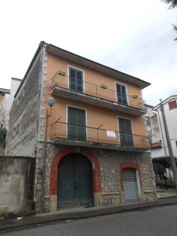 Soluzione Indipendente in vendita a Pietramelara, 6 locali, prezzo € 180.000 | CambioCasa.it